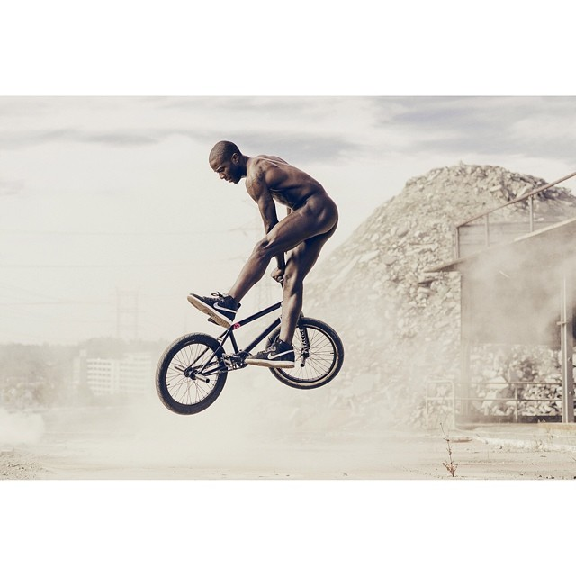 Behind the scenes with @nigelsylvester for the @ESPNMag #ESPNBody issue.  #BMX  Photo: Carlos Serrao