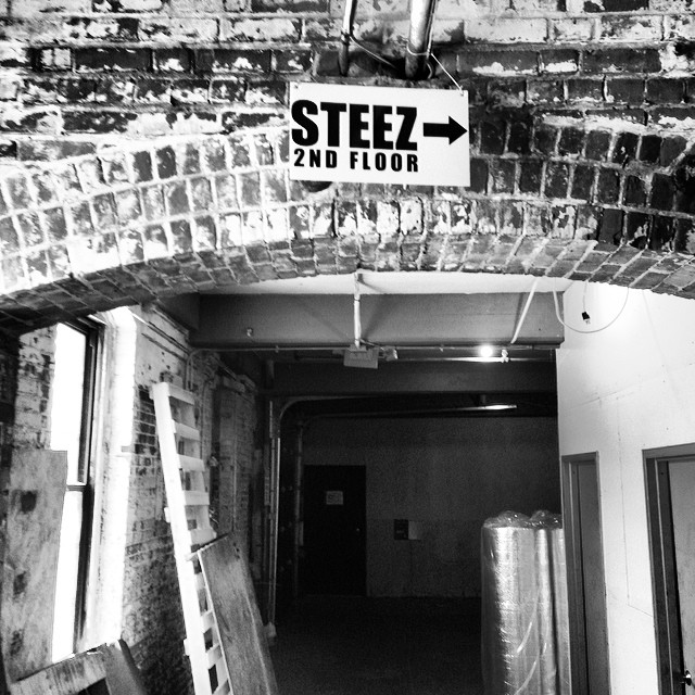 Got that 2nd floor steez. #oldbrickbuilding #steezmagazine #peabodyma