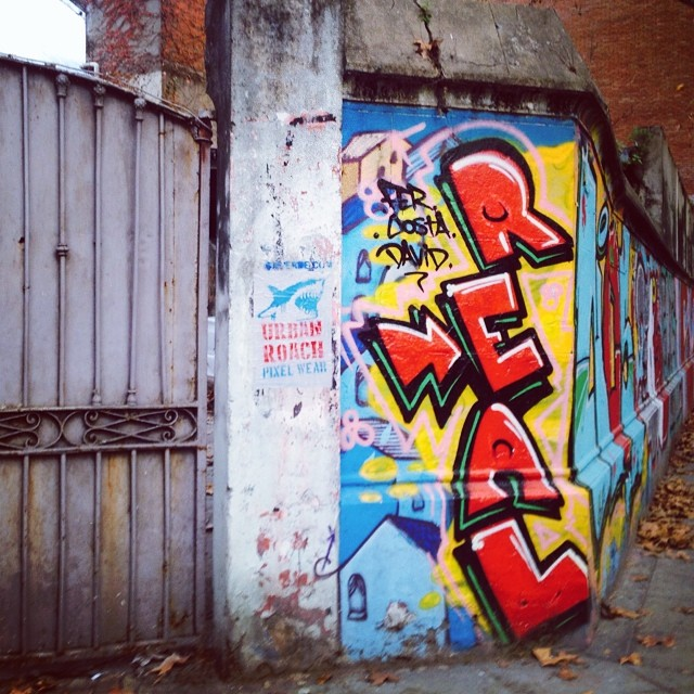 #getreal ⚓️ #graffiti #pasteup #streetart #arteurbano #street #buenosaires #urbanart #arteurbano