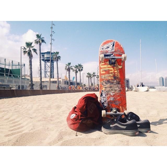 Nada mejor que venir a la playa antes de salir a andar en skate.  Me despido hasta el próximo reporte, saludos para todos desde Barcelona.