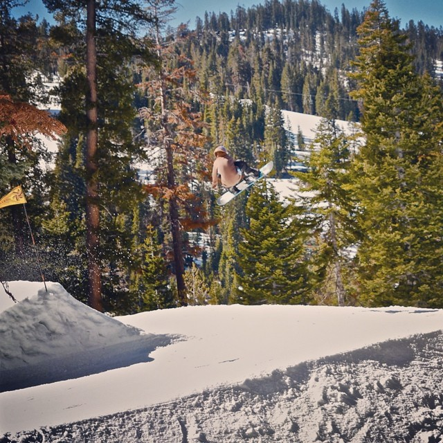Who is missing that winter time hang time?! #snowboard #air #tahoe #jumpline #thrive