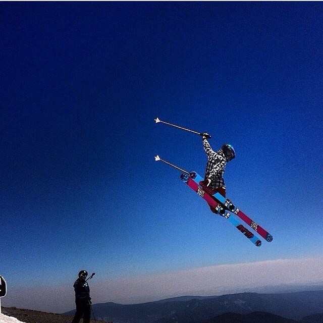 It's not too often that you find Angel Collinson in the terrain park. However, recent photo evidence from Mt. Hood proves she can steez out an air like a seasoned X Games athlete... Hadley Hammer captures the beauty in flight... #TRIBEUP Angel!  Photo...