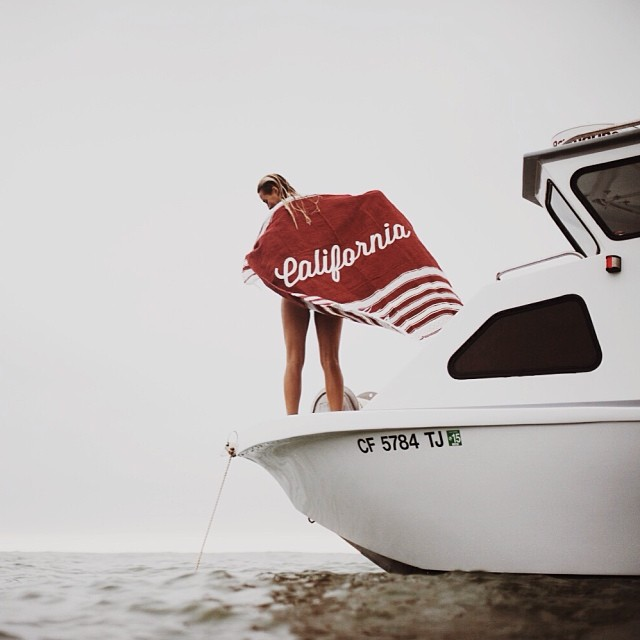 Blankets, boats and a horizon that never stops giving. Photo by @dylangordon for @ironandresin