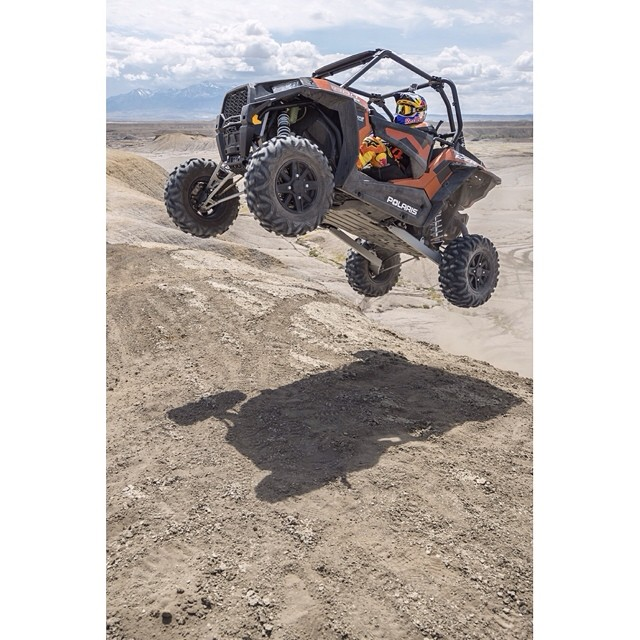 @rendawgfmx uses a @PolarisRZR for his 5 O¹clock shadow…