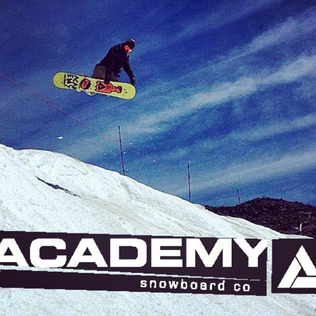 @leonard_mazzotti is up @mthoodmeadows getting methodical on the new #propacamba!  #method #gethammed #goodpeople #greatsnowboards #academykidsrule
