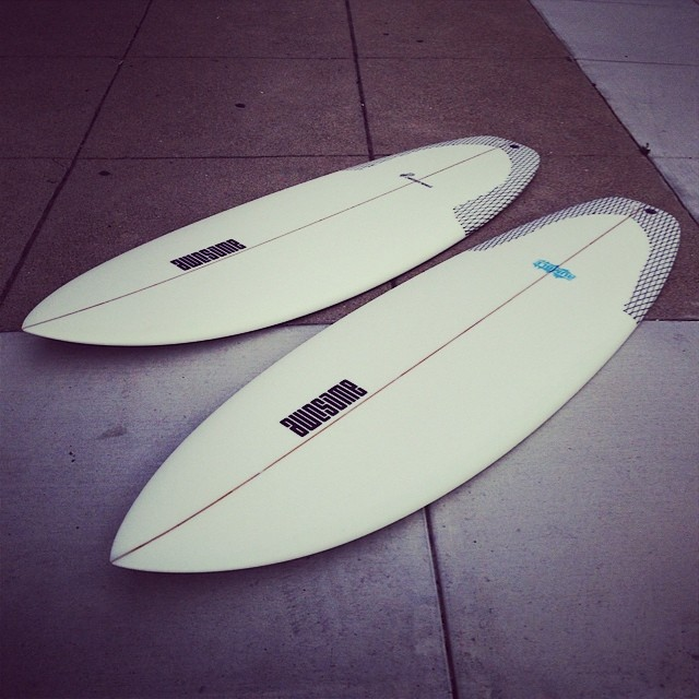 peanutter squash 5'4 and rumble 5'7 fresh fresh fresh  #awesome #teamawesome #surfboards #surfing #freshfromglassing#neednewboard#madeincalifornia