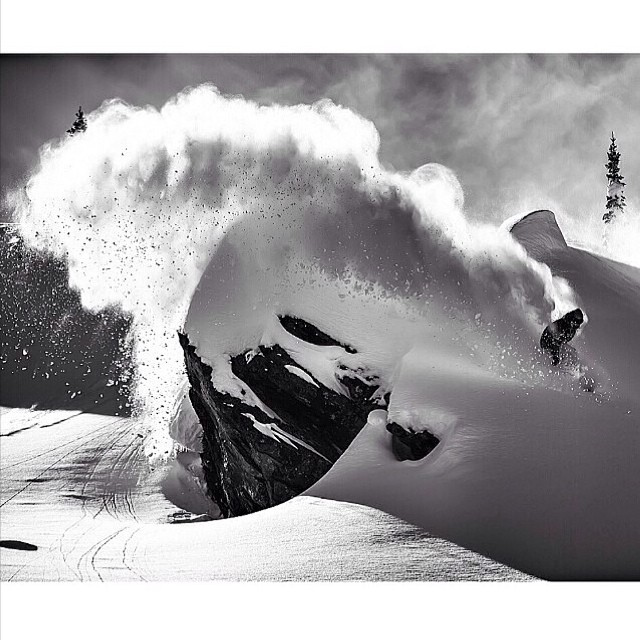 Vacaciones de invierno en Bs As! #forcefrommonday Buen lunes!Volcom #Volcomsnow #W14 #Lunes PH: @e_stone