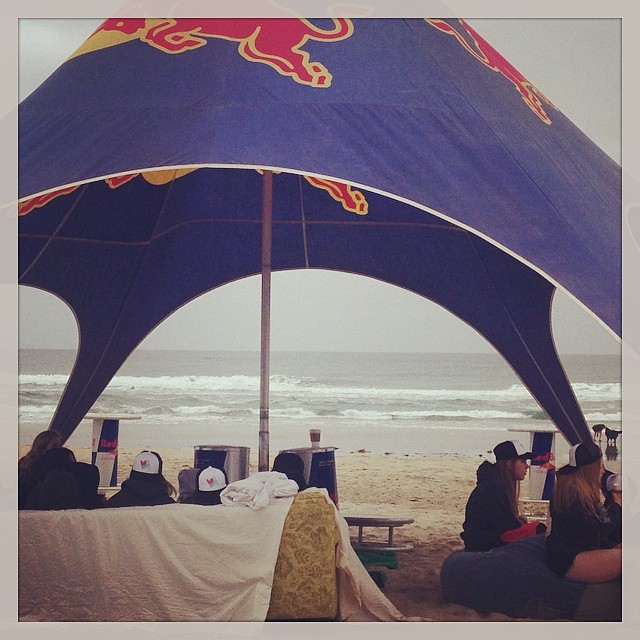 Pi Phi Surf Contest at Pacific Beach @redbull #luvsurflife #redbullsurf #ucsd