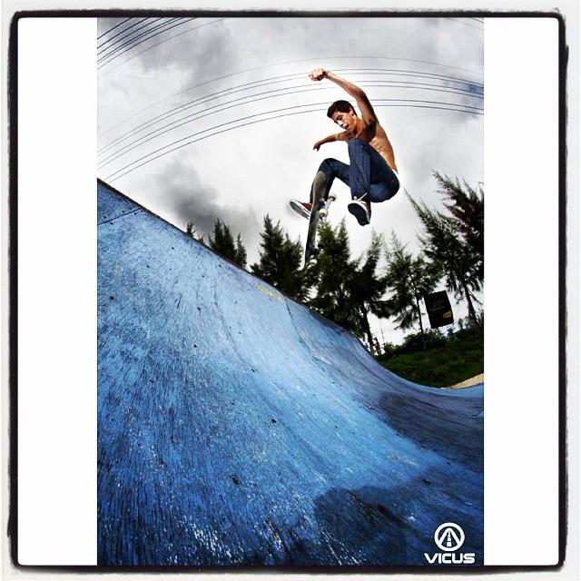 #SkateVicus & @juangb995 !! Flip Varial 360! #skate #skateboarding  #argentina