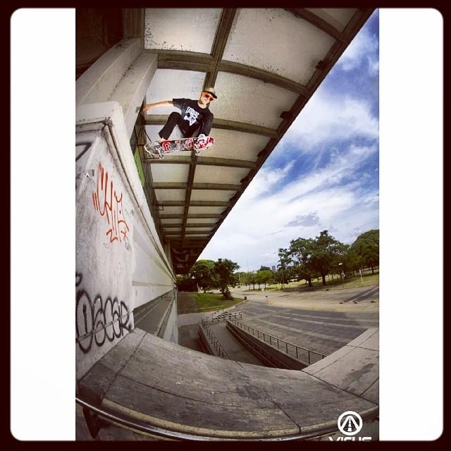 #SkateVicus: @aman montes y su Drop In en Ciudad! #skate @vicusba