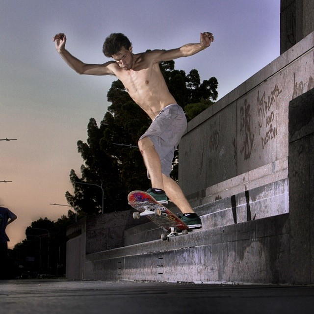 #skatevicus con @nseymand haciendo un Bs Suski Grind. #skate