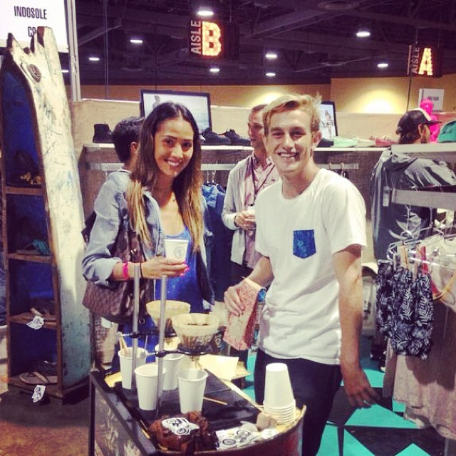 Coffee buzzin at the indo booth @agendashow #boothC9 #agendashow @agendawmns #kopi #PTHWYS