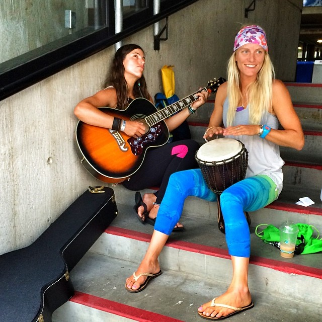 Strumming to the beats of the rain...lightning storm hit and we're stuck at the bottom of the tram. @gilliangibree #supyoga class might get canceled..but the music won't!  @paddlefitness @wanderlustfest