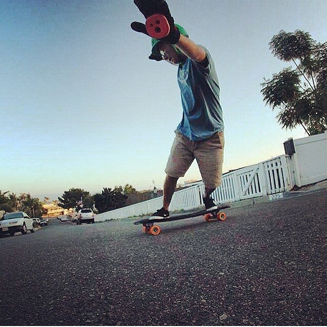 @jimmy_j0hn multitasking! giving ya'll a hi 5 and a toeside wanting to remind you to #staysteez and #keepitholesom