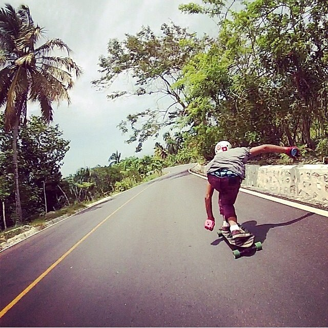 @delpatiolongboarding and @armando850 having fun always #islandstyle ☀️☀️ while #hillhuntingrd