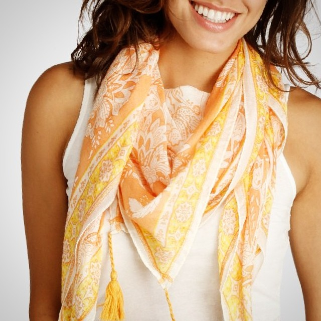 Protect youthful skin + look effortlessly stylish? Yes, please. #summer #beach #musthave #scarves #paisley #fringe #details #protectyourself #summerskin #skincare #fashion #spf