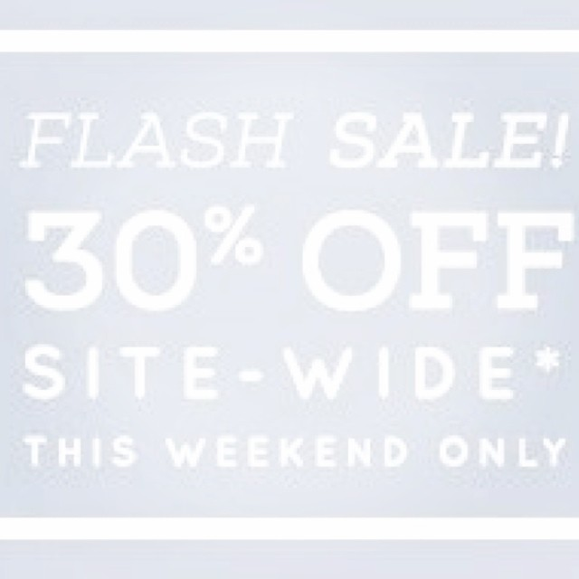 This #sale is fading away, shop it now before it's gone! 30% off site wide ends tonight.  #flashsale #sundaynight #weekend #shopping #sundaybest #style