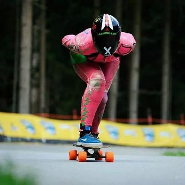 Another shot from Almabtrieb,  @glorifiziert by Kristyna Tesinska Photography.  #longboardgirlscrew #girlswhoshred