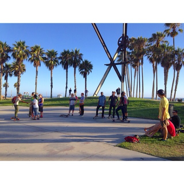 Good crew for this week's #PierToPierSkate!