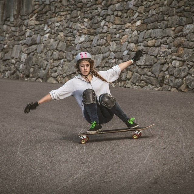 Go to www.longboardgirlscrew.com and check @lauraamoros latest vid ripping Spanish roads. She's killing it. @martagdiaz photo #longboardgirlscrew #girlswhoshred #yousweepandiskate