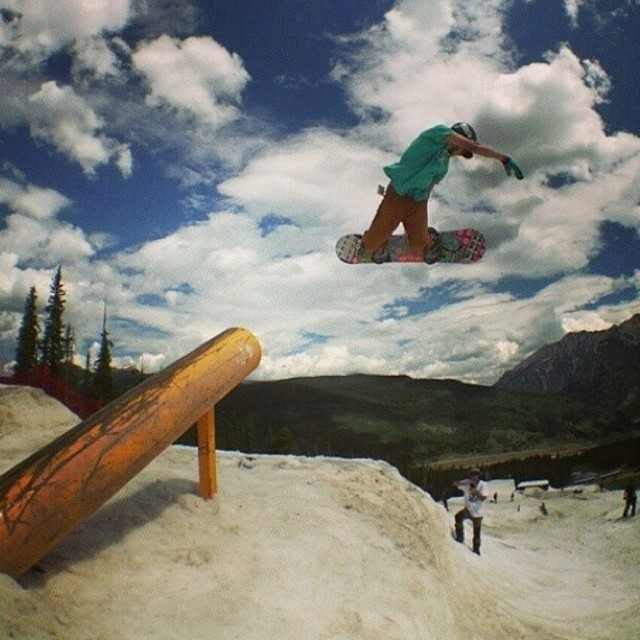@juicy__g__  went straight from #timberline to @woodwardcopper - making us proud @juicy__g__  heads up for the @smokinsnowboards @woodwardcopper takeover, you don't have to leave Colorado any more to shred all summer #dopeness #smokintakeover...
