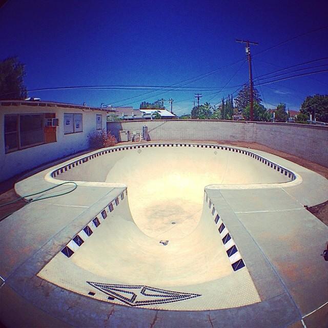 Regram @tristanrennie bellmar #pool #skateboarding