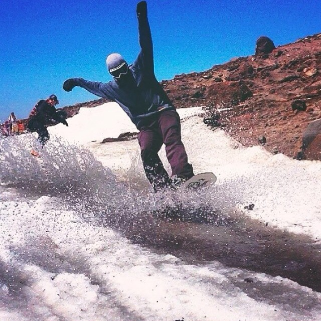 Salute to a solid weekend @windellscamp . @minnesnowtafrost #Diggers @romesnowboards || @jo_stanks #SummerShred