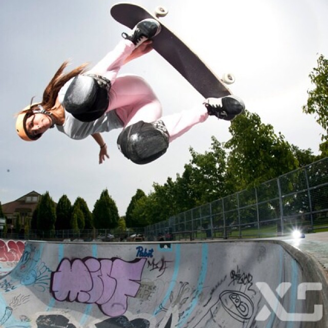 @huntahlong is one of the awesome girls competing tomorrow at the #vanswbowl. Today is practice, practice, practice! #power #style #grace #skate #girlswhorip #hunterlong #xshelmets