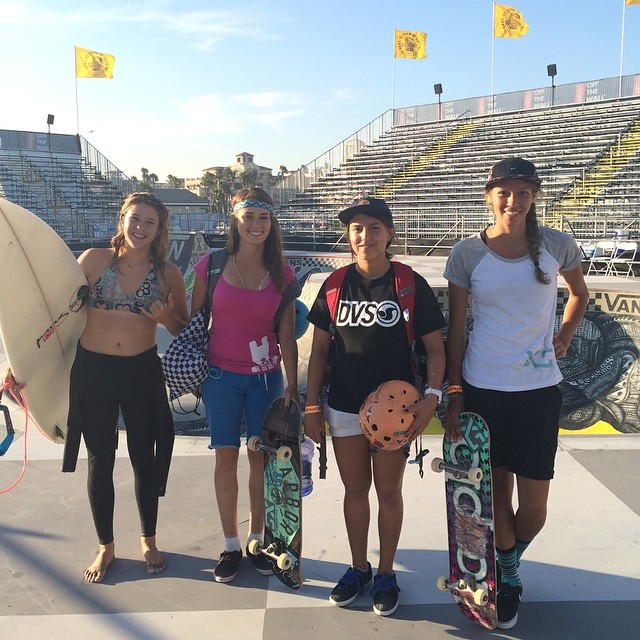 Today is the day!  4-6 pm is going to be exciting! Watch the women's bowl competition at the #vandoreninvitational! Good luck to these fine ladies and all the amazing girls competing! @ameliabrodka @huntahlong @jordynbarratt @justyce_tabor @bevmoskater...