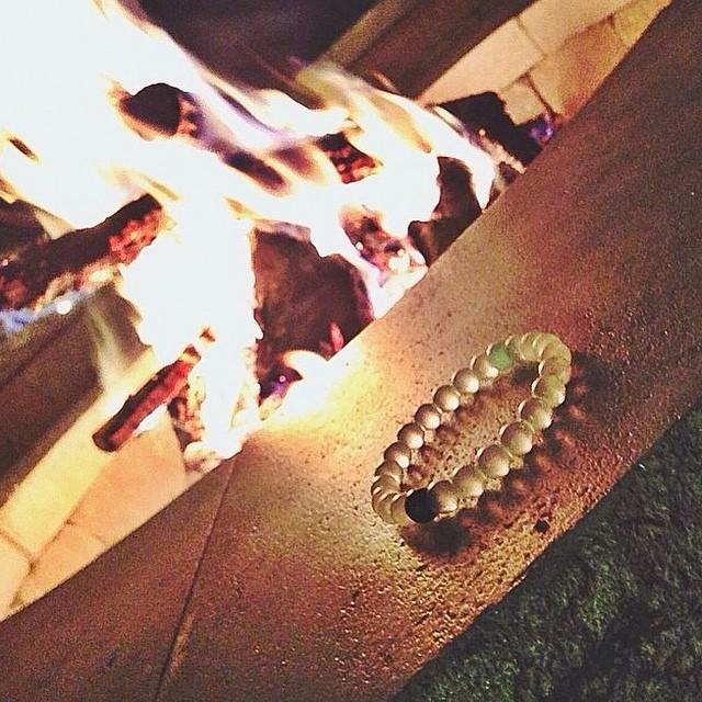 Feeling toasty by the fire #livelokai Thanks @sosilva22