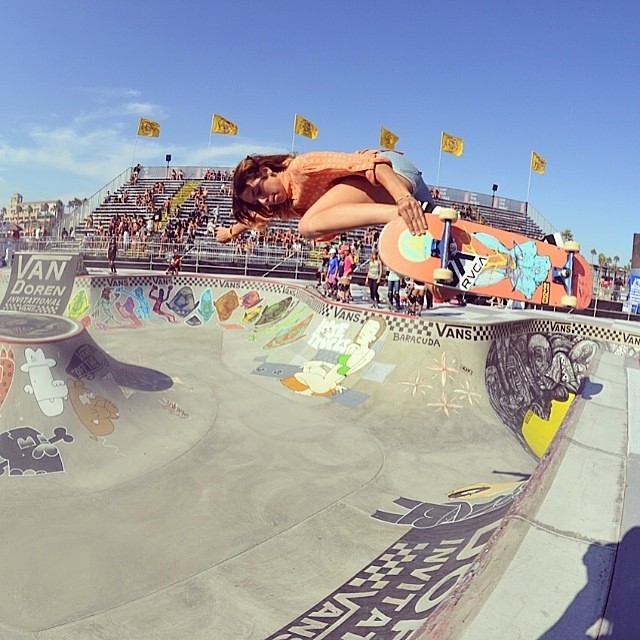 #VanDorenInvitational Women Bowl Contest happened yesterday in California. Go to www.longboardgirlscrew.com and check out the event report with some serious female radness. In the picture @noravexplora's backside air. @girlsskatenetwork photo...