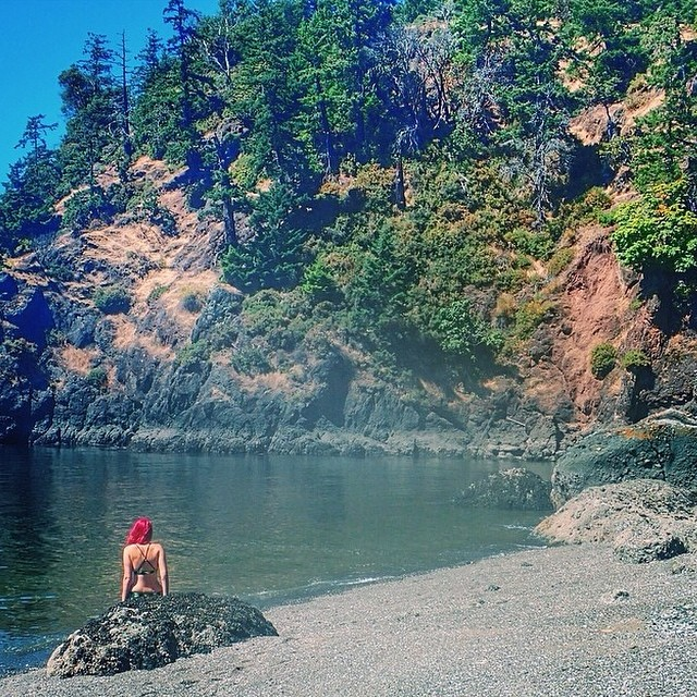 Mermaid spotting in Pender Island, BC #miola #miolainthewild #muse #mermaid #explorebc #penderiand @theviewfrom6ft