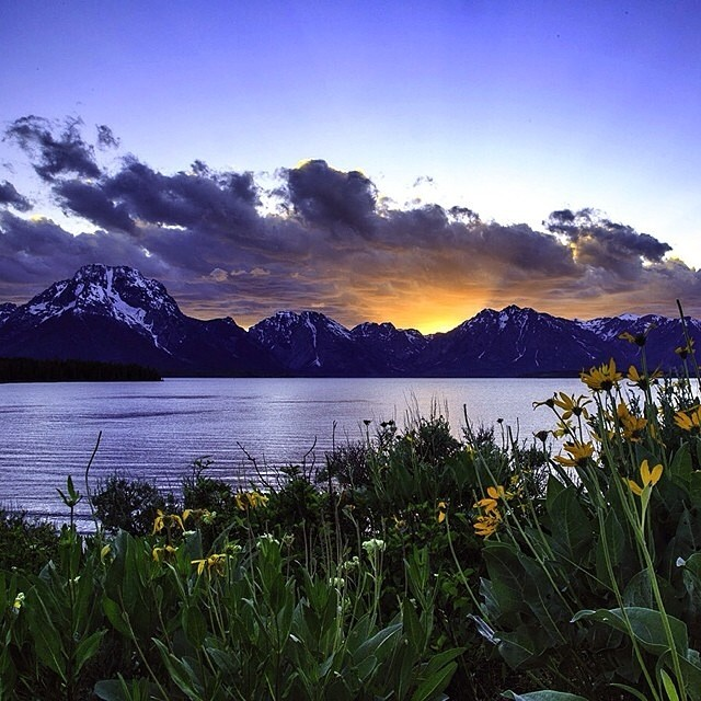 Watch the sunset with our friends at @jacksonhole! #loveblue #jacksonhole