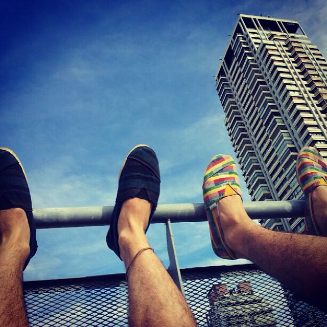 Is always summer somewhere in the world #Páez #paezshoes #summer #sky #shoes #reggea