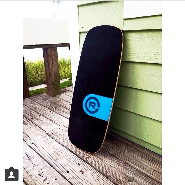 Balance by the beach, thanks to @gordon_beth for uploading this pic of her new 101 #balanceboard #beachlife
