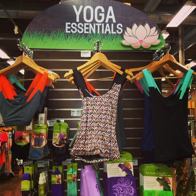 Yoga Essentials w/ our Agave Sports Bra + Blossom Tank @wfmlosangeles -> perfect sustainable #style! #yoga #workout #sporty #sweat #fashion #