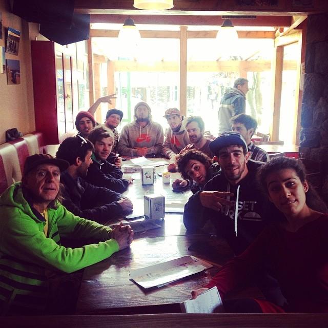 Muy buena semana trabajando con esta buena banda!! Gracias muchachos y Feliz cumpleaños Pelado Amadeo!! @tomimateri @matischmitt @ferto_88 @tomasorol #huarriz #vial #natalucci #pinedo #viti