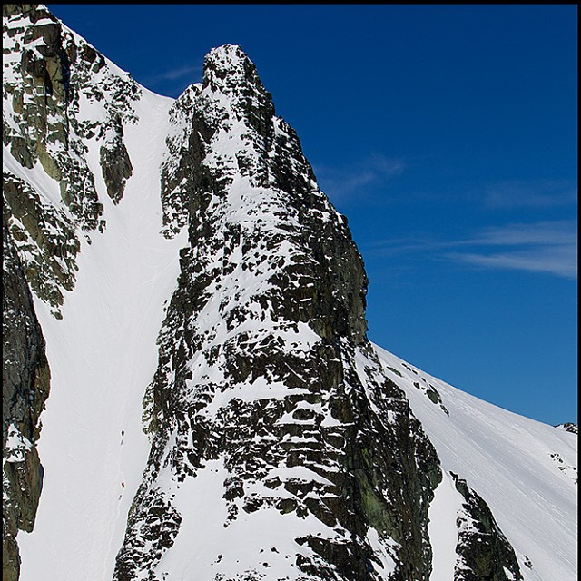 Monday Stoke. DPS' @christieimages out for a short walk up a couloir... Coast Range, #BC #Canada.