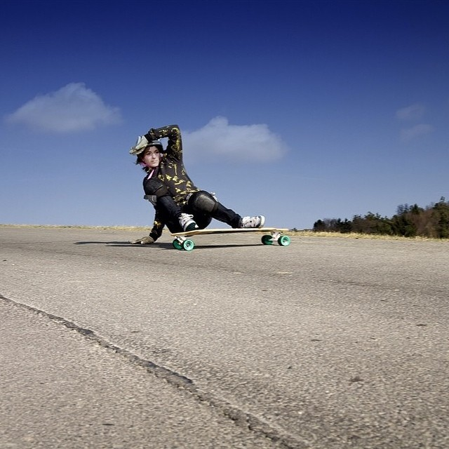 Regram from the one and only @feebue. This lady has been pushing the female scene for more than 13 years. Mad respect. Nicole Fleck photo #ladiesofshred #longboardgirlscrew #FeeBuecheler