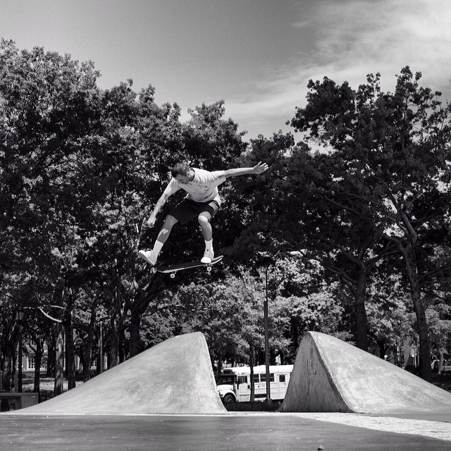 Gino is the man! Caught up with him in #issue31 #steezmagazine shot by @thejoeface #ginoiannucci #longisland #skateboarding @chocolateskateboards #onefoot