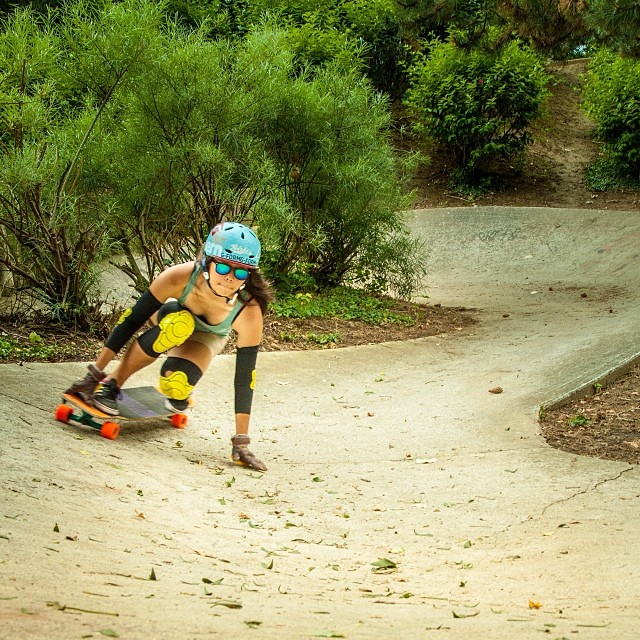 @cindyzskates skatin a snakey ditch on her #Tesseract