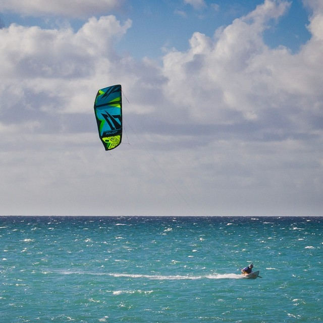 #EarToEar with @paulflymaui, @robbynaishus1111 & friends w/ the new #NaishPivot!  The 2015 @naish_kiteboarding line just released!!! Check out: http://vimeo.com/m/100934788 to see the lineup!!!