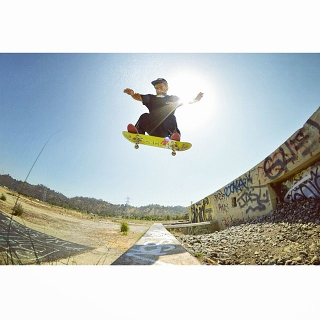 @angelrcardenas warming up the gap with a tester #ollie ☀ #getshakled