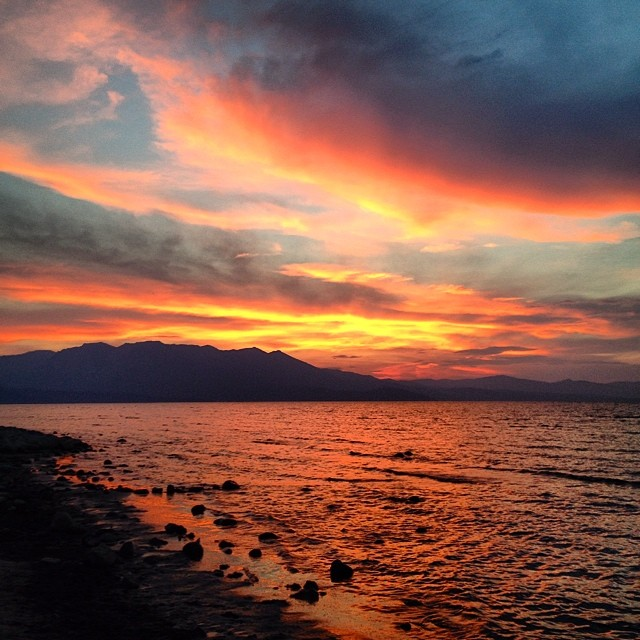 Sunsets season is still here. #laketahoe #risedesigns #riseinspired