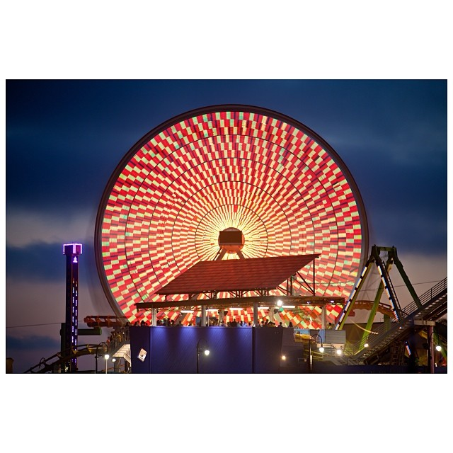 Join us on the @santamonicapier TONIGHT for the FREE #TwilightConcerts #JagwarMa