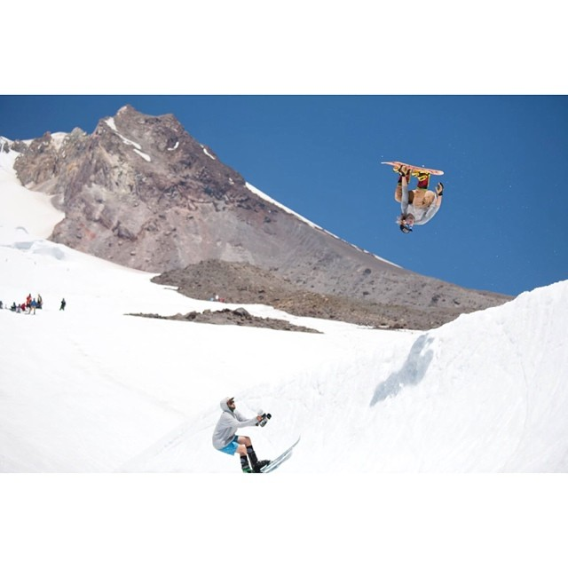 @rakejose421 has spent the last 2 Summers at #mthood digging so he can have the opportunity to do stuff like this. Our hats off to all the #diggers who do it #forthelove  and everyone who makes re effort to shred during the summer. #forridersbyriders...