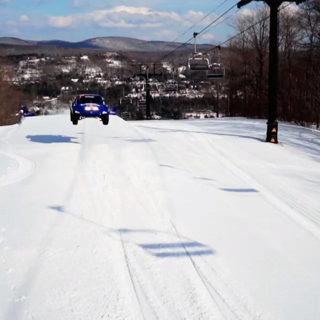 Hittin' the slopes. #givesyouwings