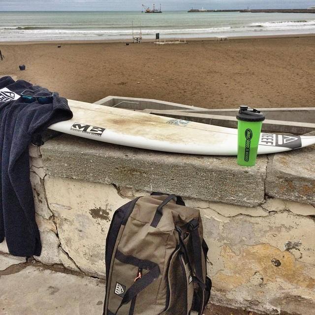@mpasseri1 de vuelta en casa y listo para una buena sesión de surfing después del entrenamiento físico con Sergio Magnani. #soul #surfing #waves #reefargentina