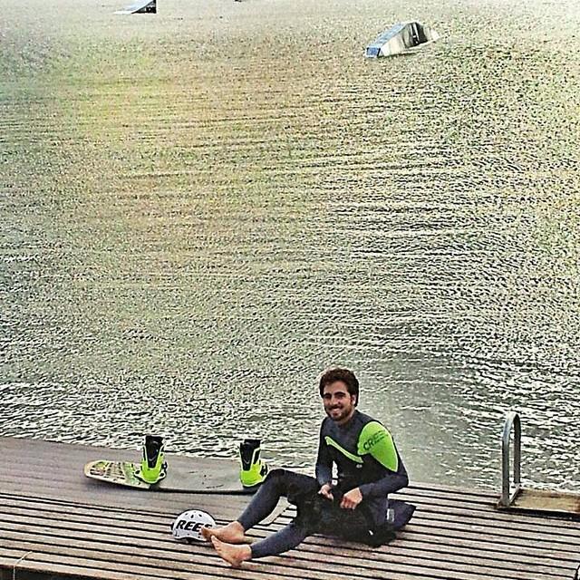 @tomikaragozian de visita por BARC junto a Cutun Martín. #soul #surfing #waves #reefargentina