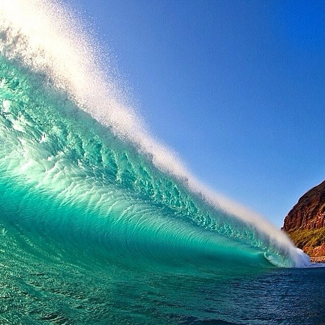 The Perfect Wave | #LifesABeach #Kameleonz #BillabongProTahiti #GoPro #Surfing pic by @ombakphotography